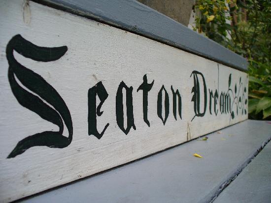 A Seaton Dream B & B: The Garden