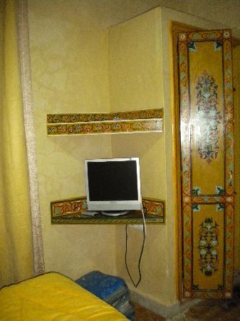 Riad Dar Alia : tv corner