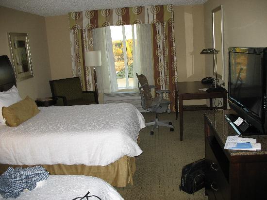 Hilton Garden Inn Tifton: pic of room