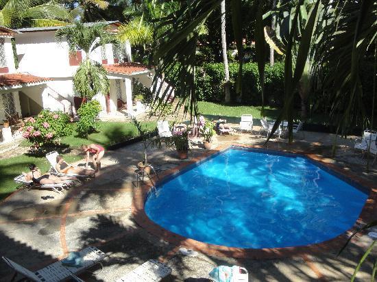 Tropix Hotel: Pool from 2nd Floor