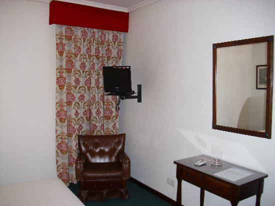 Monclus: habitacion 105