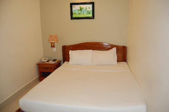 Hang Neak Hotel: Comfort bed