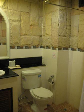 Andaman House : toilet and bathroom