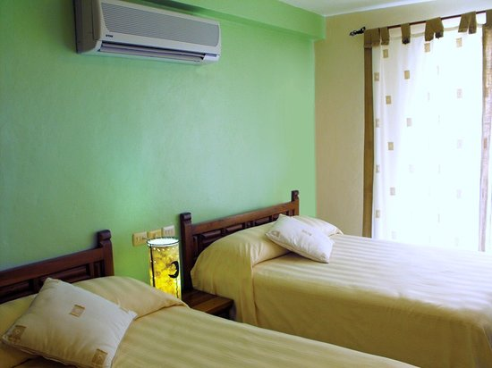 BUCANEROS Hotel & Suites