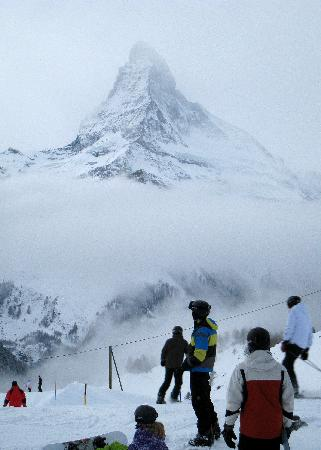 Coeur des Alpes : Snow skiing in the Alps.