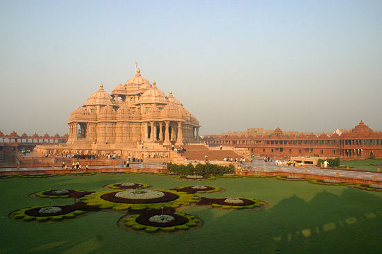 BAPS Swaminarayan Akshardham (God's Abode) Temple in New Delhi ...