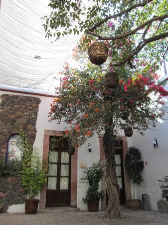 Hotel Villa del Villar: court yard