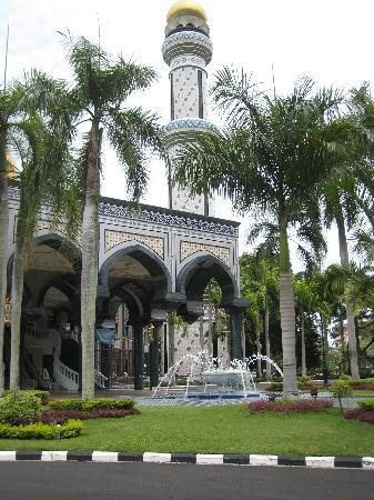 Jame'Asr Hassanil Bolkiah Mosque: Mosque