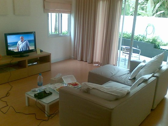 Studio 99 Serviced Apartments: garden apartment