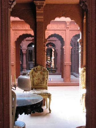 Interior of Lal Niwas