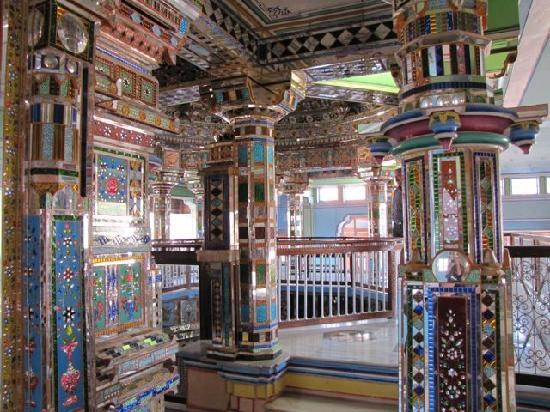 Lal Niwas : Phalodi's Jain temple