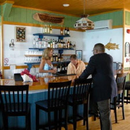 Long Island Breeze Resort: Restaurant Bar