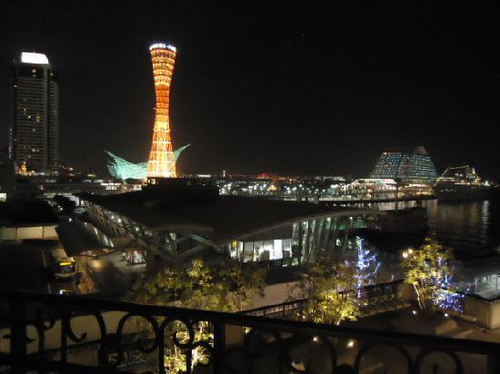 Hotel La Suite Kobe Harborland: 神戸ポートタワーが綺麗です。