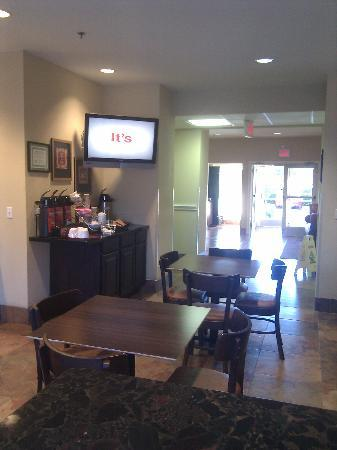 Hawthorn Suites by Wyndham Addison Galleria: great coffee