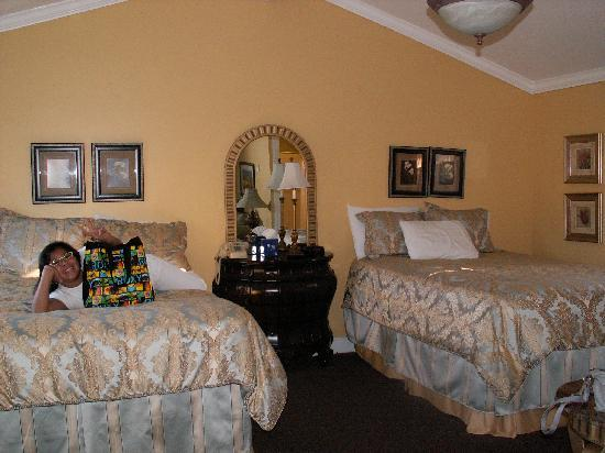 hotel hotels deals cottage reviews expedia monterey from and prices room z breeze sea information cottages inn