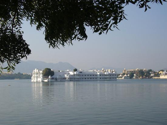 Hotel Natural Lake View : udaipur lake