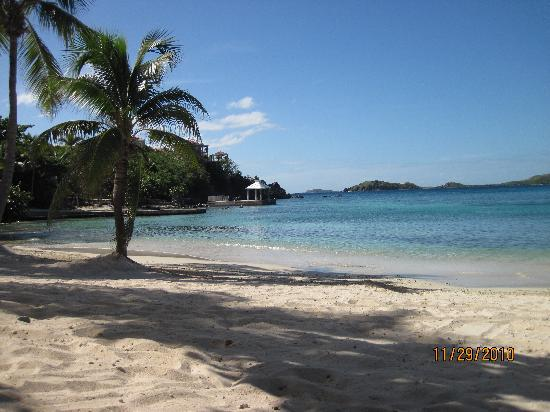 Benner, St. Thomas: Secret Harbour Beach