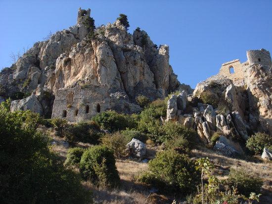 圣伊拉里城堡