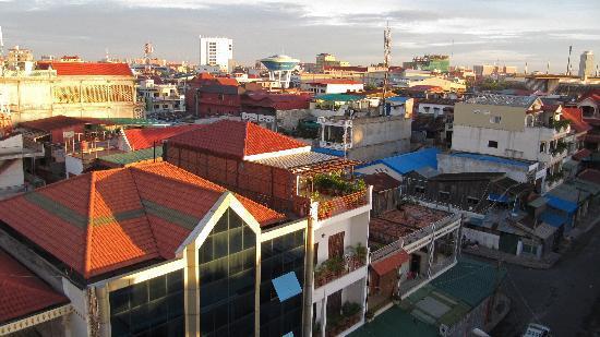 Hang Neak Hotel: Vue de la chambre 612