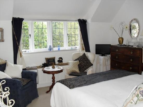 Manor Cottage Bed & Breakfast : Double Bedroom