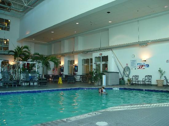 Holiday Inn Hotel & Suites Ocean City: pool