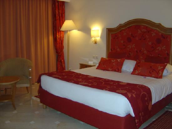 Hotel Palace Hammamet Marhaba : Chambre spacieuse