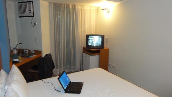Slaviero Executive Curitiba Batel: Hotel Slavieiro Executive - Room