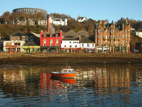 The Alexandra Hotel: Oban Harbour,reflections