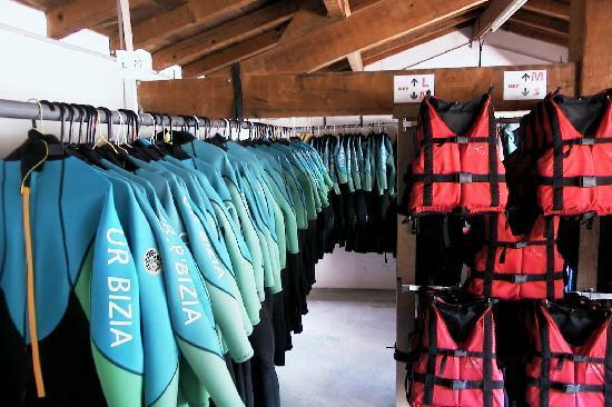 Ur Bizia Rafting : tout le matériel est fournis, casque, gilet et combinaison néoprène