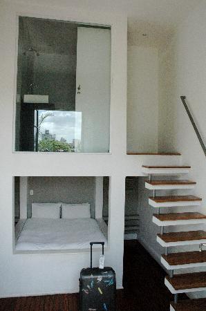 Bonito Buenos Aires, San Telmo: La Blanca - Bed & Bathroom