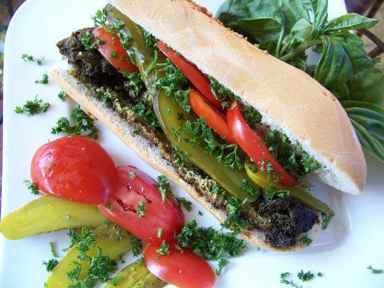 Mil y Una Noche: Delicious sandwiches