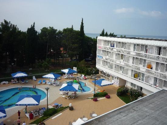 Aminess Laguna Hotel: Blick vom Balkon Richtung Meer