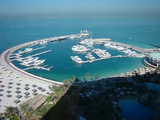 Jumeirah Beach Hotel: Marina from bedroom window