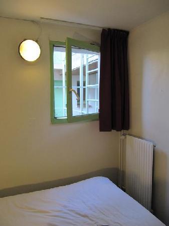 La Chartreuse Hotel: Room 25  Quiet but no view