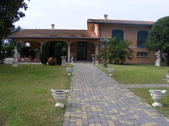 Hotel Villa Foscarini: courtyard