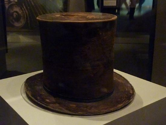 Smithsonian Institution Buidling: National Museum of American History - Abraham Lincoln: An Extraordinary Life - Lincoln's top hat