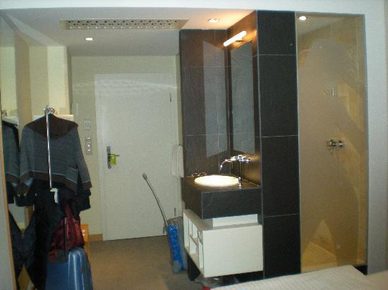 Hotel Daniel Graz: towards bath