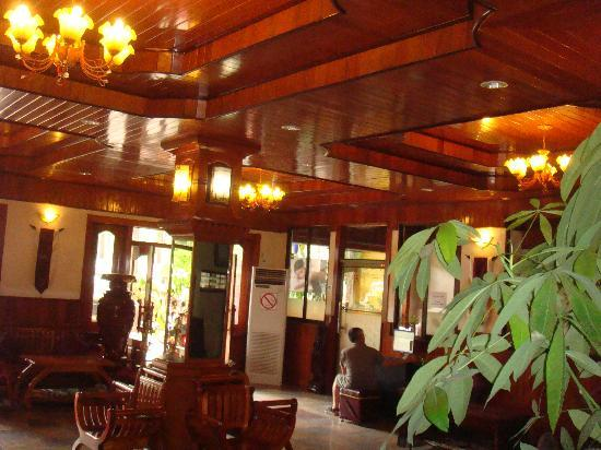 Golden Angkor Hotel: Lobby hall