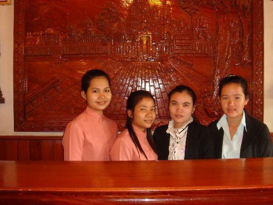 Golden Angkor Hotel: Welcome Desk