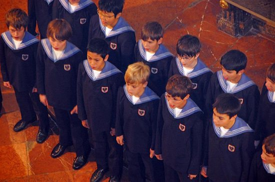 Vienna Boys Choir Christmas.Lovely Performance At Christmas Mass In Intimate