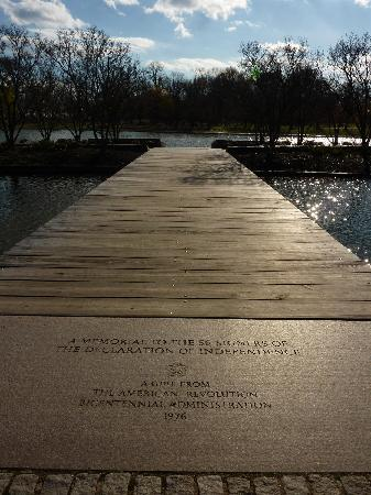 Constitution Gardens : Memorial to the 56 Signers of the Declaration of Independence