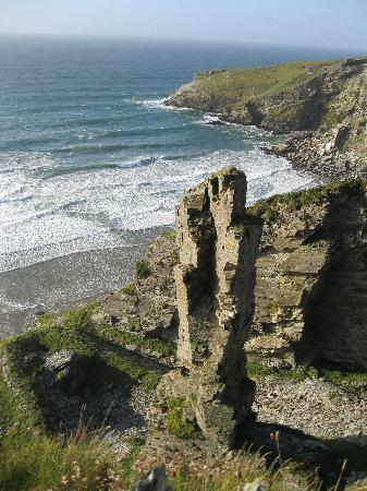 Lanteglos Lodges and Villas: Slate mining coast south of Tintagel