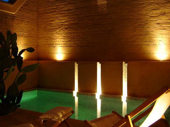 Dar Housnia: La piscine