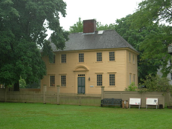 Strawbery Banke Museum : one of the oldest homes there