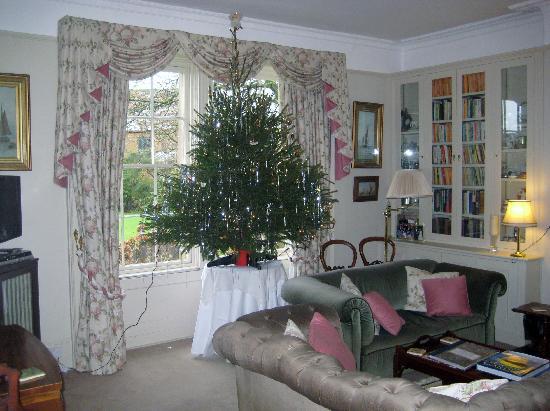 Clanville Manor: Living room