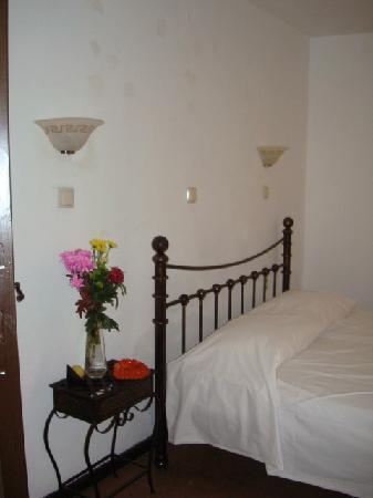 Tina's Apartments: Tina's Rooms Rhodes Town