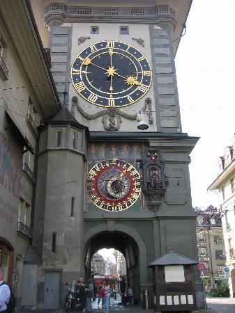 Geneva, Switzerland: 壁時計