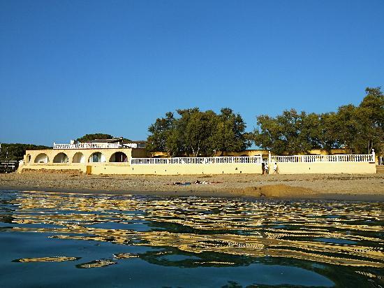 Porticcio, France : hotel vu de la mer