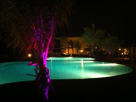Melia Buenavista: pool by night