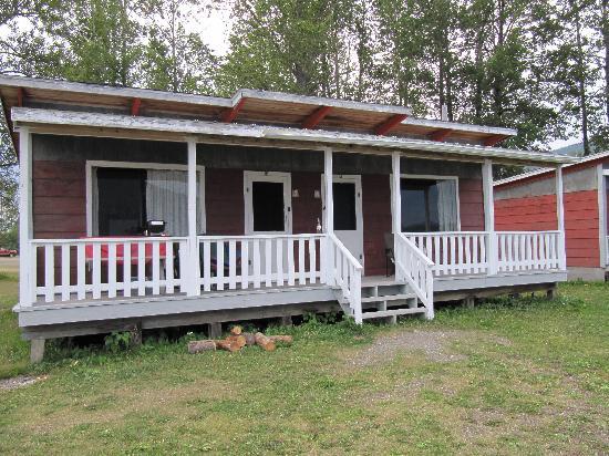 Bowron Lake Lodge and Resorts: Duplex cabin